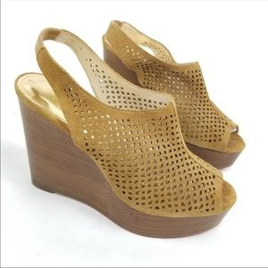 Coach Chastity Tan Peep Toe Wedge Sz 9.5 EUC